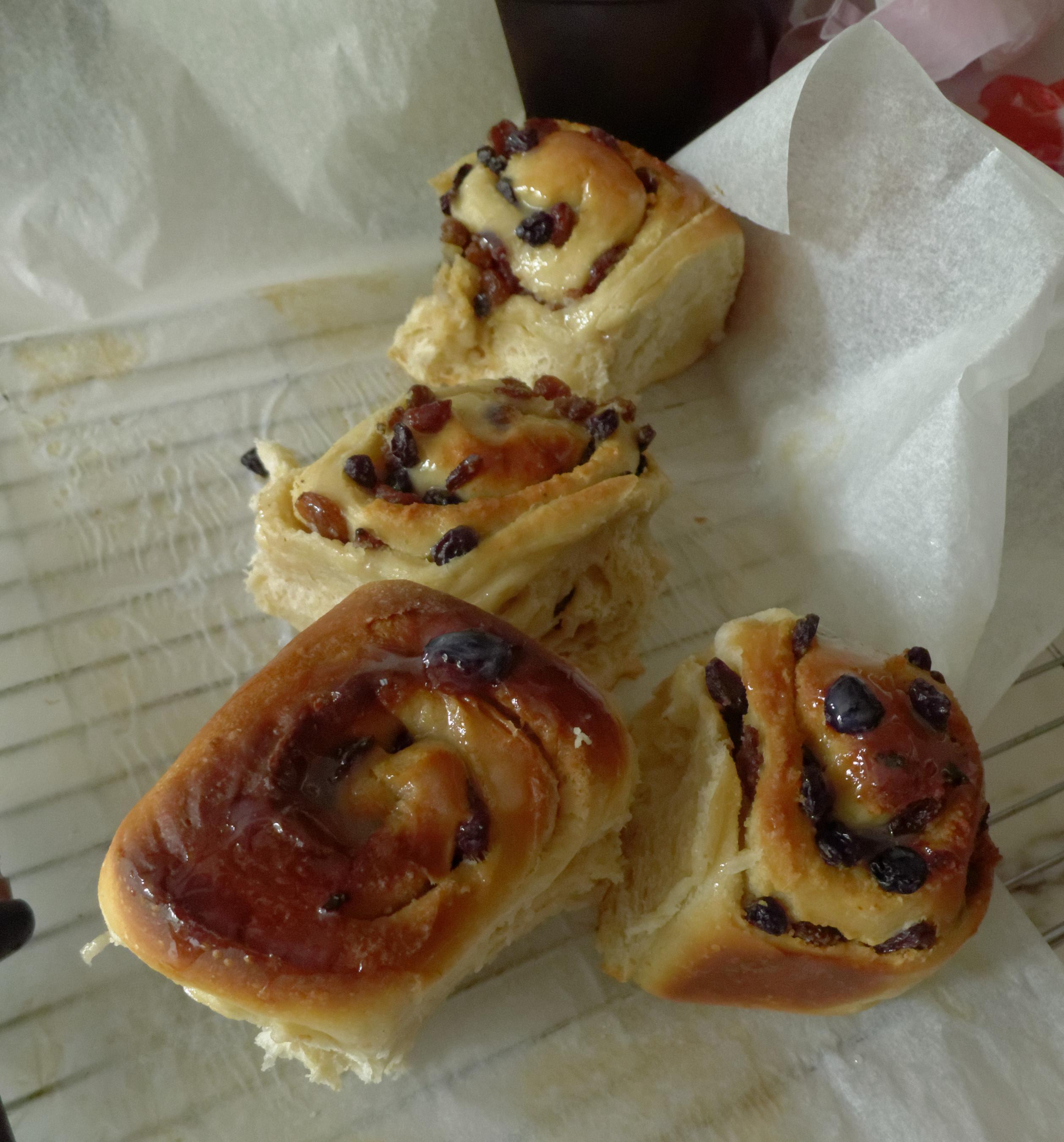 Matured sourdough buns
